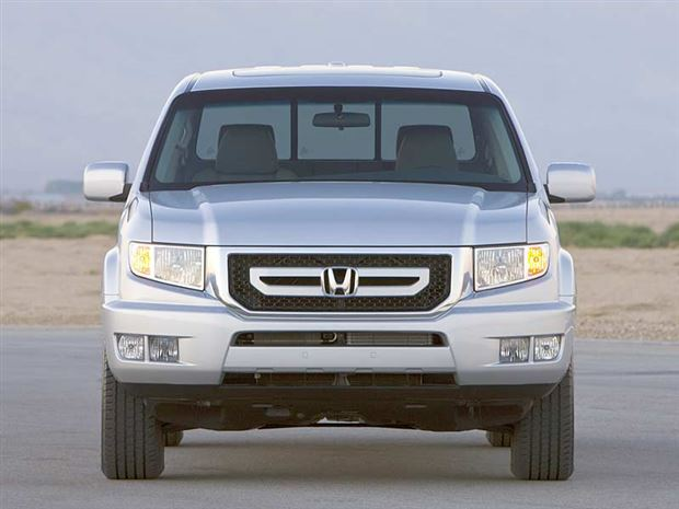 Read about the Autos.ca Buyer's Guide: 2011 Honda Ridgeline