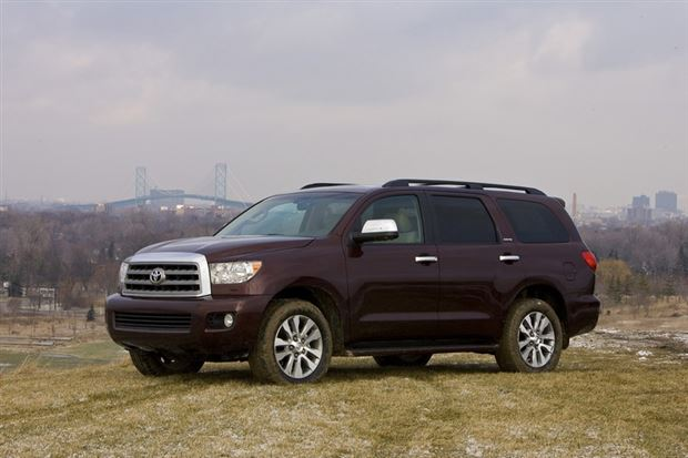 Read about the Autos.ca Buyer's Guide: 2012 Toyota Sequoia