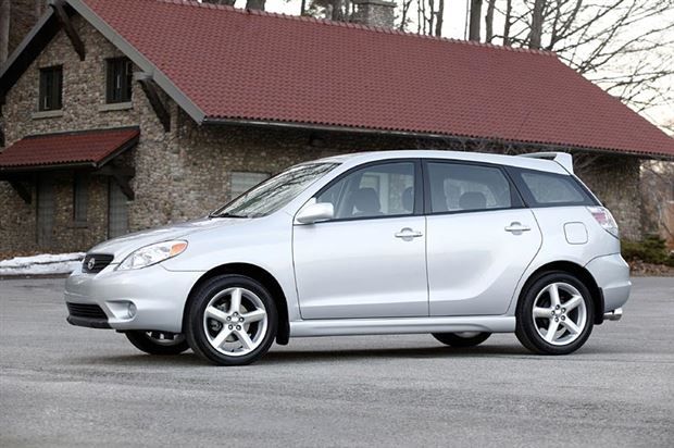 Read about the Autos.ca Buyer's Guide: 2006 Toyota Matrix