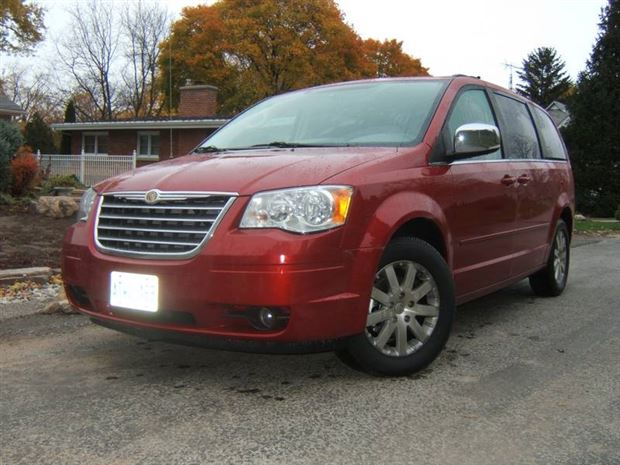 Read about the Autos.ca 2007 Minivan Challenge: 2008 Chrysler Town & Country, Week Two