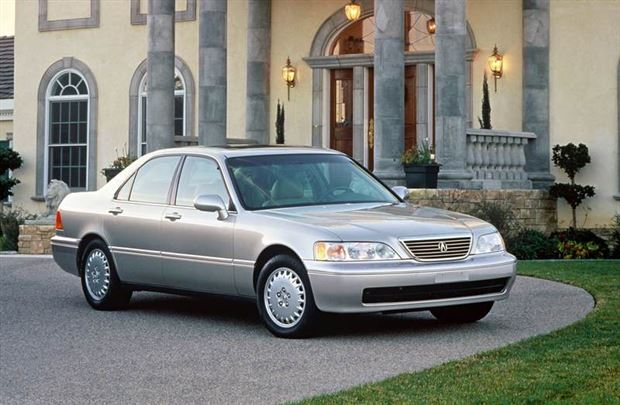 Read about the Autos.ca Used Vehicle Review: Acura RL, 1996-2004