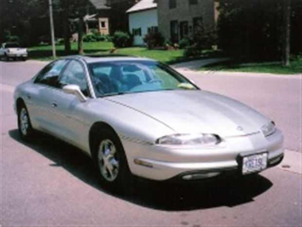 Read about the Autos.ca Motoring Memories: Oldsmobile Aurora, 1995-1999