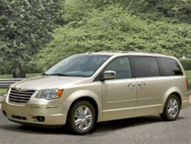 Read about the Autos.ca Buyer's Guide: 2010 Chrysler Town and Country