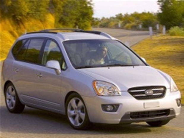 Read about the Autos.ca Buyer's Guide: 2010 Kia Rondo