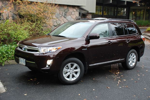 Read about the Autos.ca Buyer's Guide: 2011 Toyota Highlander