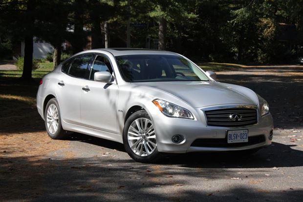 Read about the Autos.ca Test Drive: 2012 Infiniti M35h