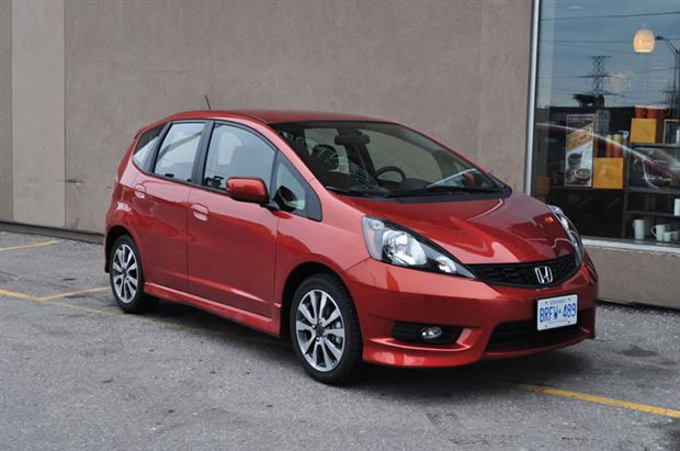 Read about the Autos.ca Buyer's Guide: 2013 Honda Fit