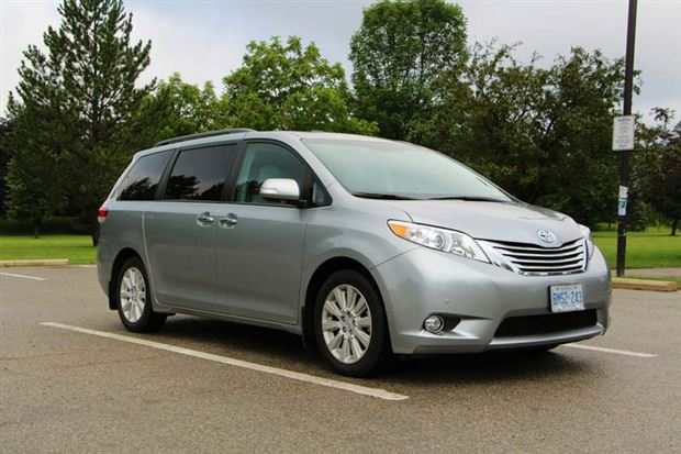 Read about the Autos.ca Test Drive: 2013 Toyota Sienna XLE