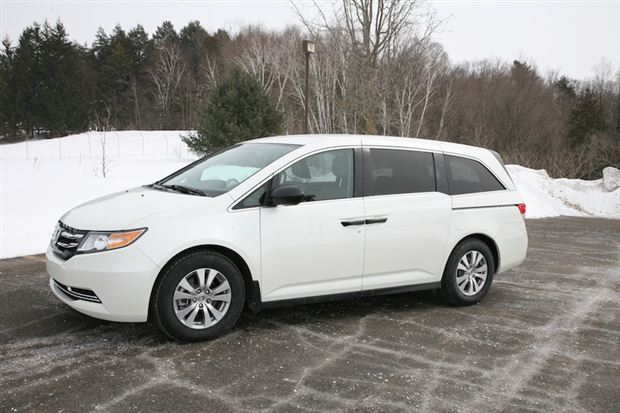 Read about the Autos.ca Day-by-Day Review: 2014 Honda Odyssey SE
