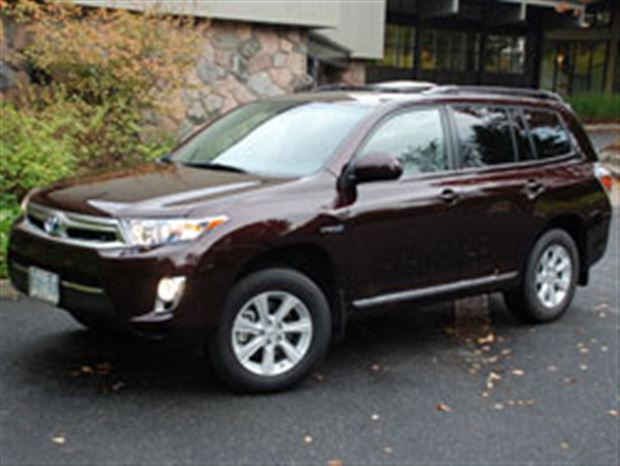 Read about the Autos.ca First Drive: 2011 Toyota Highlander Hybrid