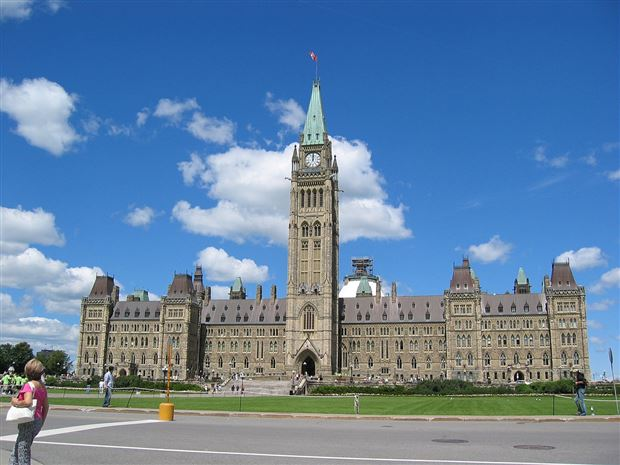 Read about the Autos.ca Federal, Ontario Provincial Governments Divest Themselves Of 30 Million GM Shares