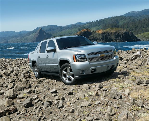 Read about the Autos.ca Buyer's Guide: 2013 Chevrolet Avalanche