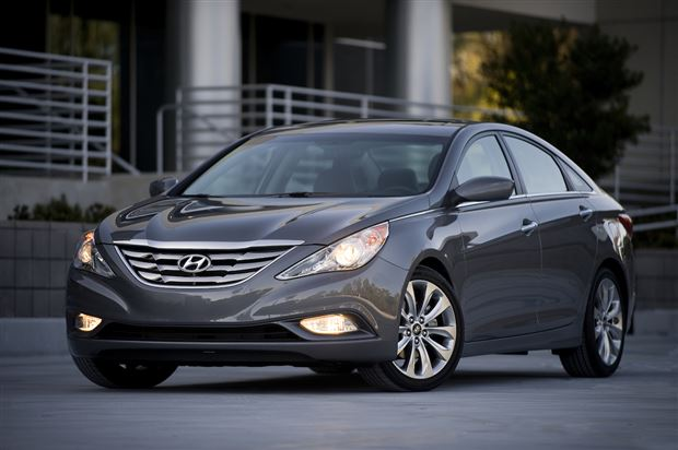 Read about the Autos.ca Buyer's Guide: 2013 Hyundai Sonata