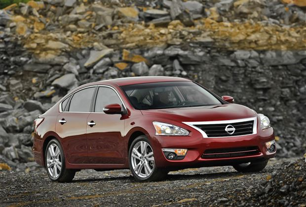 Read about the Autos.ca Buyer's Guide: 2013 Nissan Altima Sedan