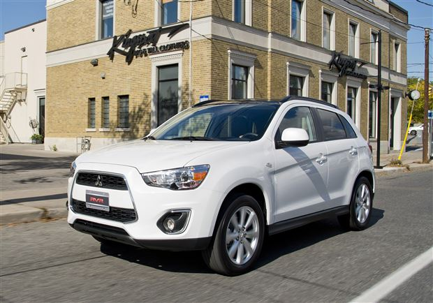 Read about the Autos.ca Buyer's Guide: 2015 Mitsubishi RVR