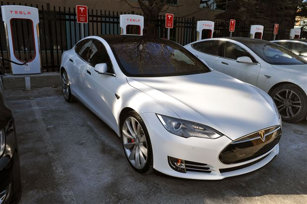 "Read about the Autos.ca Tesla makes it ""impossible"" to run out of range in a Model S"