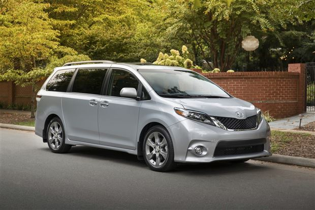 Read about the Autos.ca Buyer's Guide: 2016 Toyota Sienna