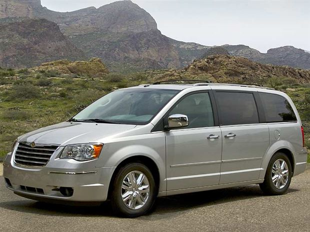 buyer 39 s guide 2009 chrysler town and country. Black Bedroom Furniture Sets. Home Design Ideas
