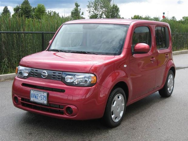 test drive 2009 nissan cube 1 8 s. Black Bedroom Furniture Sets. Home Design Ideas